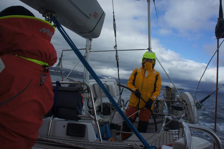 Fjord Sailing, 30kts