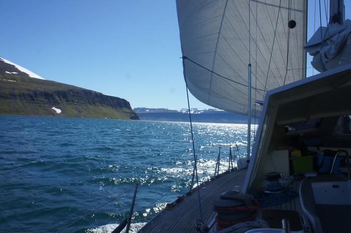 Cool sailing in the Joküllsfjord