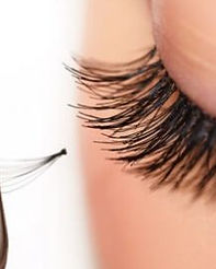 Long-Weekend-Lashes_583x414-570x270.jpg