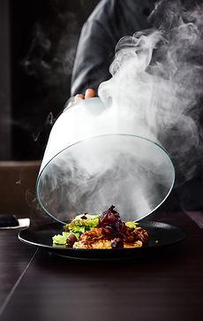 Repas gastronomique chaud