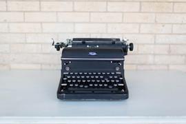 Vintage Typewriter $20