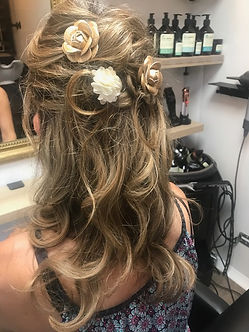 Coiffure de mariee evenement salon de coiffure mobile hair truck