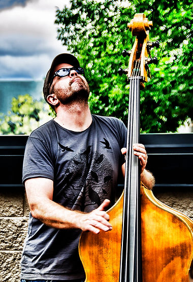 © Seth Kimmel Bass maker bass player in Eugene Oregon