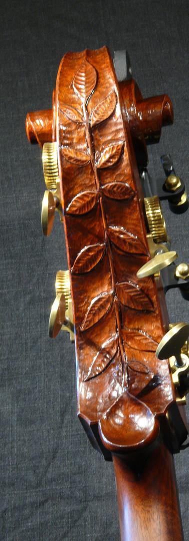 #51 Walnut leaf scroll