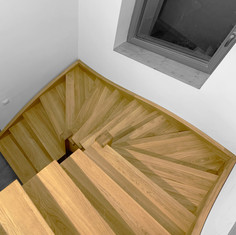 Scara interioara din lemn de stejar3.jpg