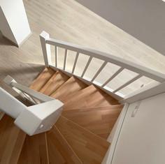 scari din lemn rvcover.jpg