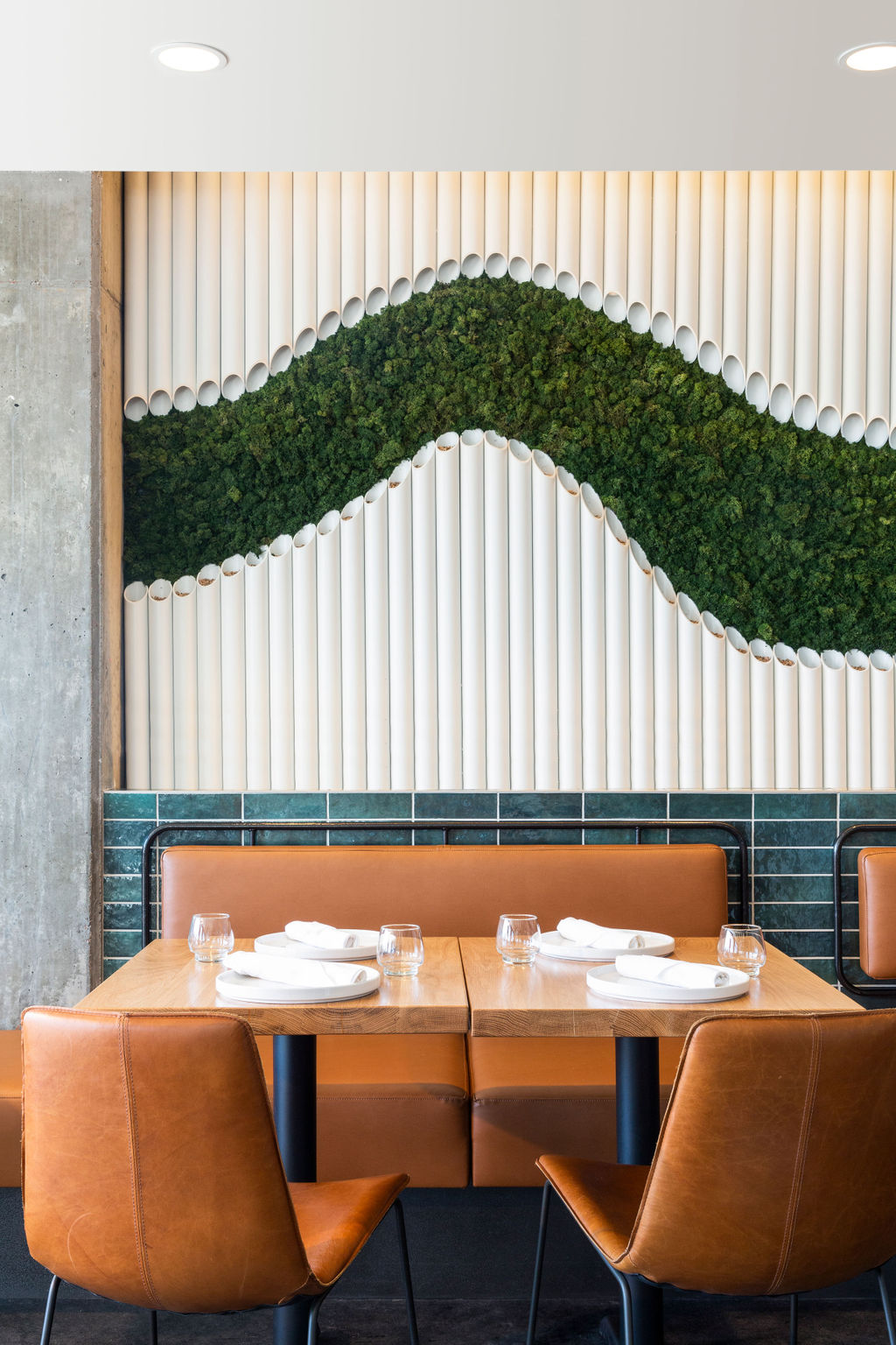 GREEN MOSS FEATURE WALL