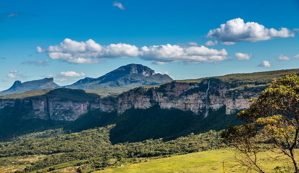 O povoado da Raposa, município de Iramaia, está encravado no meio da Serra do Sincorá e possui pouco mais de 60 habitantes | FOTO: Allan Lago |