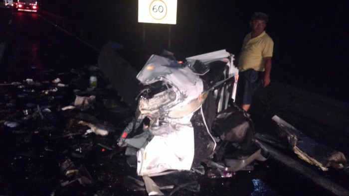 Motorista se livra da morte na BR-116. Fotos: Blog Marcos Frahm