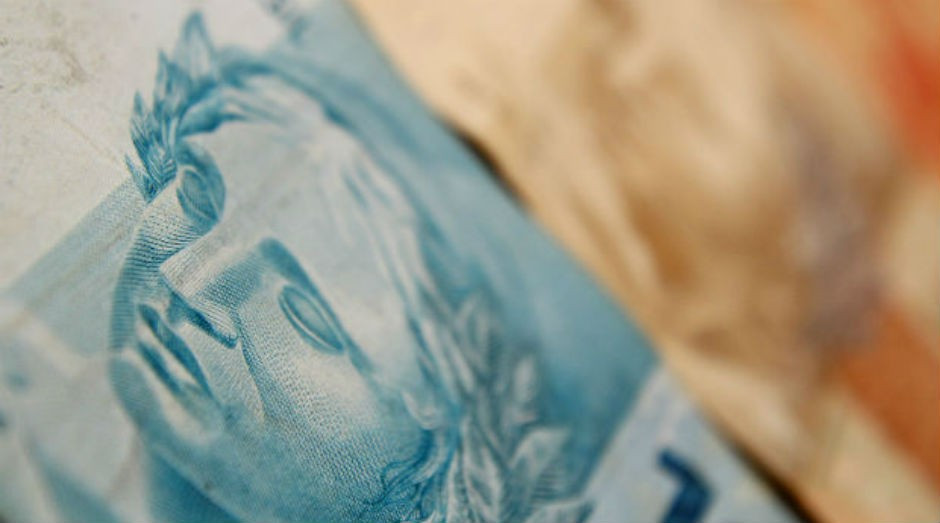 Cerca de R$ 11,2 bilhões estão disponíveis para quem nasceu em março (Foto: Marcos Santos/USP Imagens)