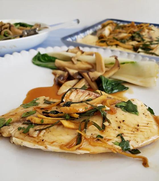 Filetes-de-mojarra-con-jengibre-y-ceboll