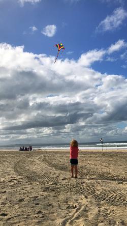 Flying kites, Rainbow Beach