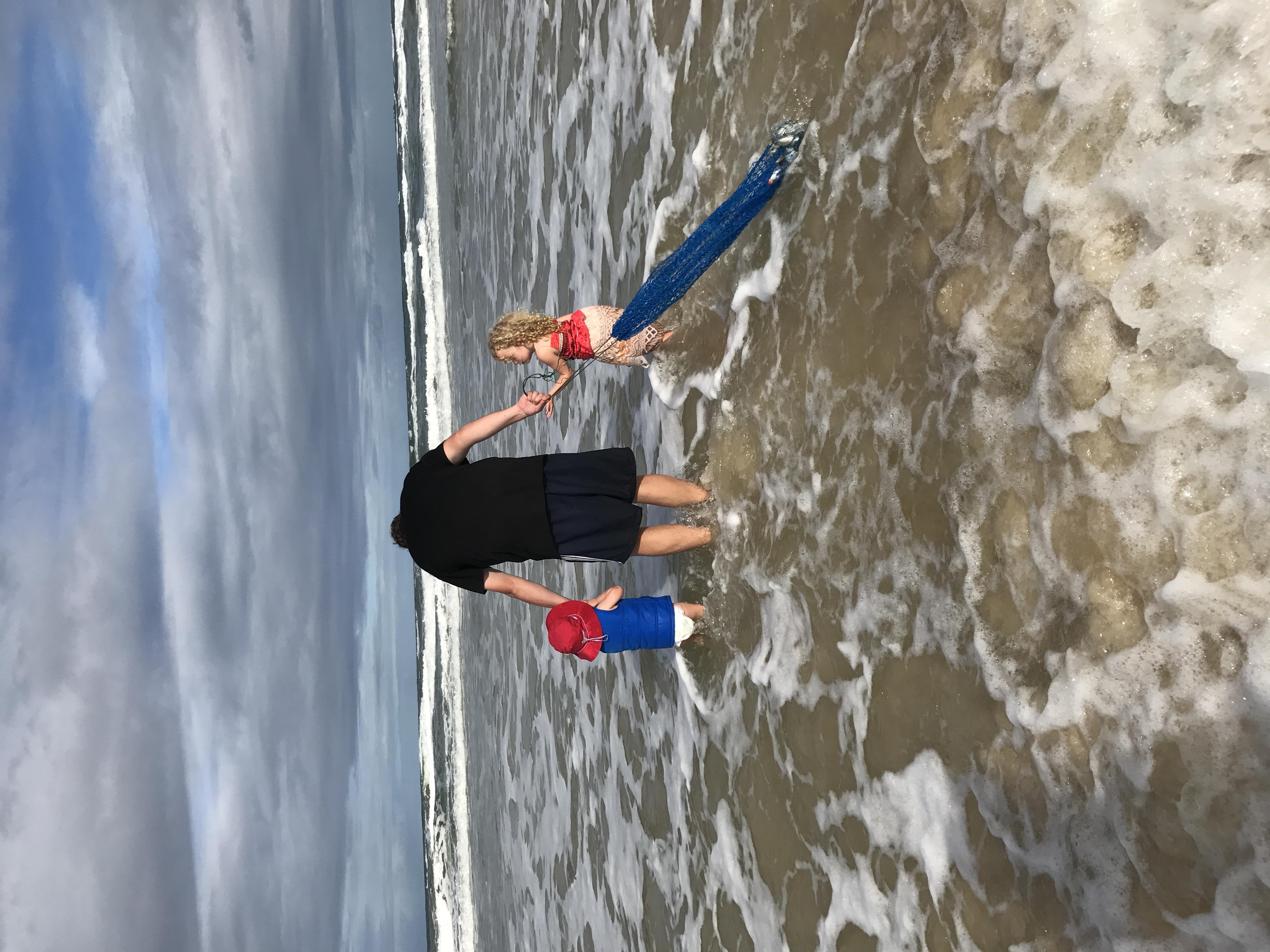 Beach worming on 75 Mile Beach