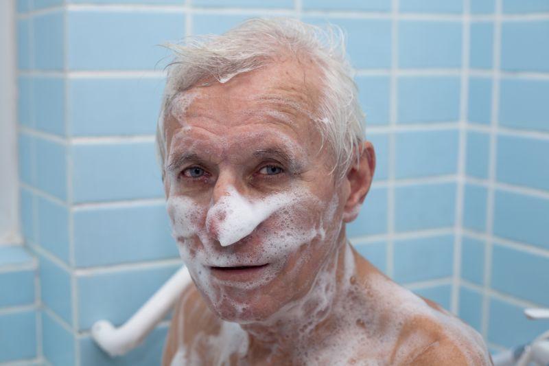 Bañar al Abuelo