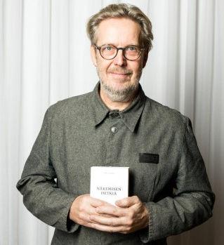 kirjallisuuspalkinto2015-334x500_edited.