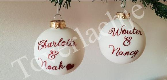 Kerstbal wit met roze tekst