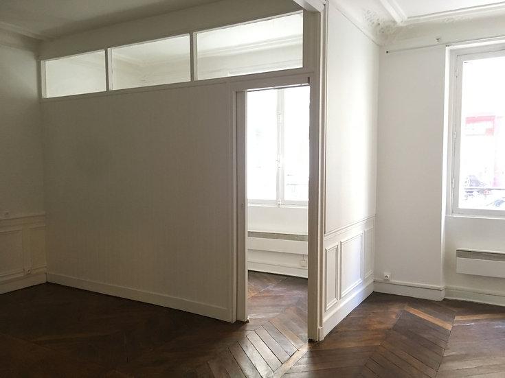 Local Professionnel 31 m² - Paris 8ème
