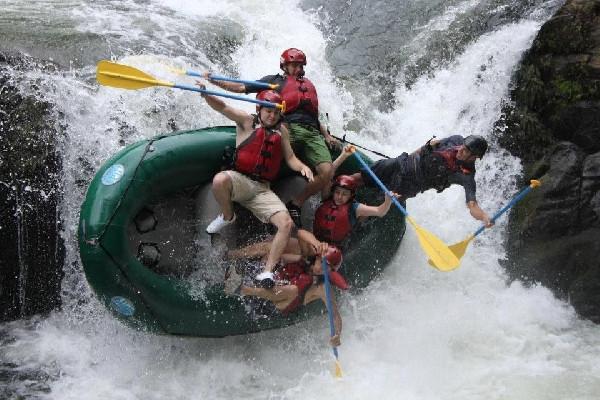 rafting-on-the-tenorio-river---class-3-4