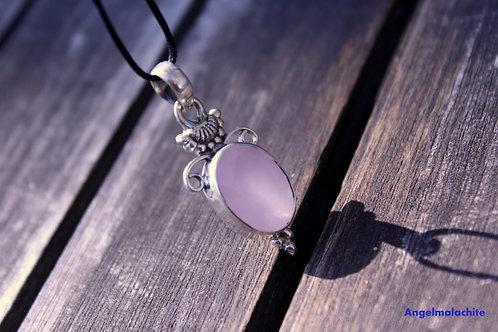 Collier femme, collier quartz rose, symbole de l'Amour, douceur
