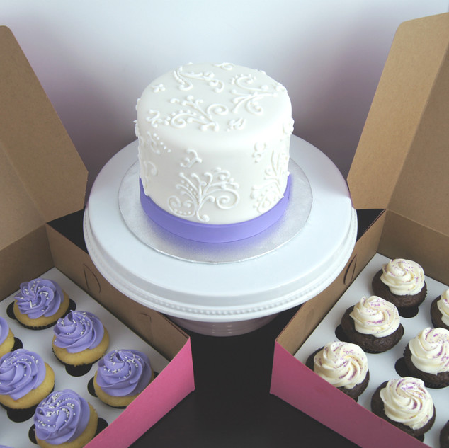 Hand-Piped Wedding Cake and Cupcakes