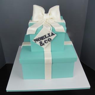 Sweet 16 Tiffany Box Cake.jpg