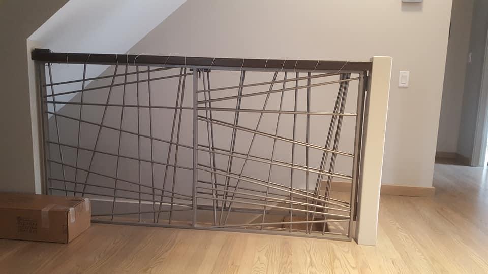 contemporary_artistic_railing_home
