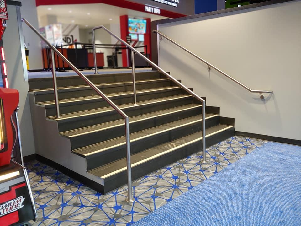 mall_stairs_hand_railing