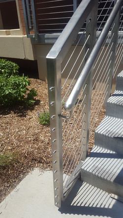 Stainless_steel_cable_railing