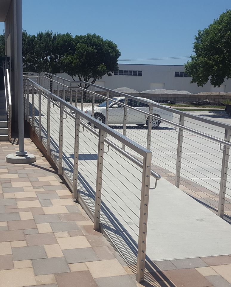 stainless_steel_cable_railing_ramp