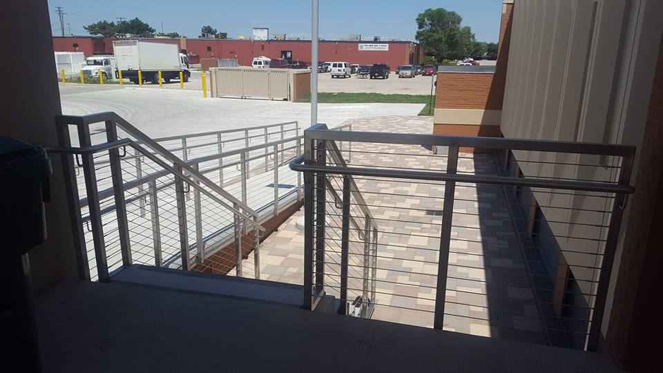 Stainless_steel_cable_stair_railing