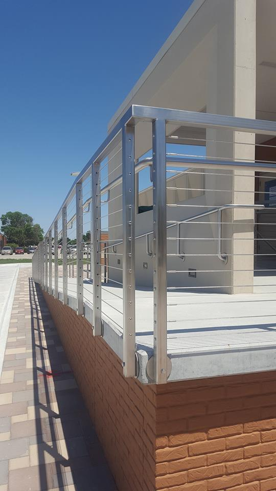Steel_railing_corner_ramp