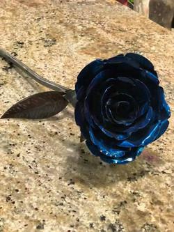 blue_rose_metal_sculpture