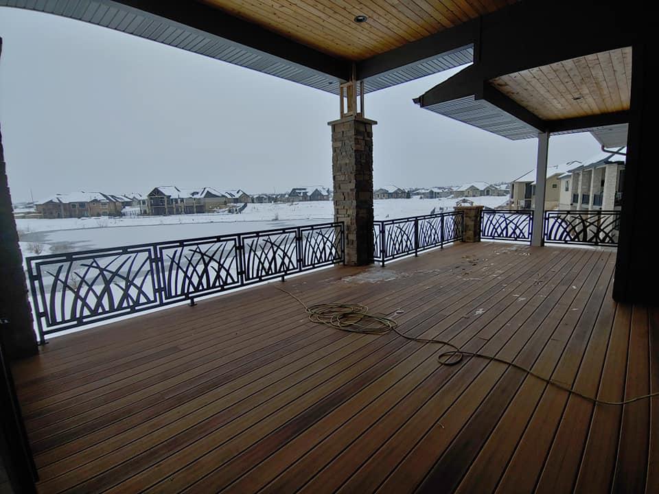custom_home_deck_railing