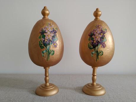 Goldenes Ei groß
