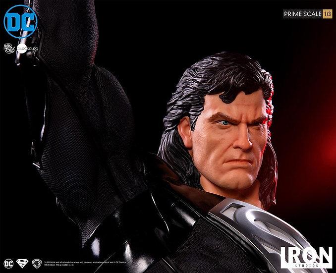 IRON STUDIOS 1/3 : SUPERMAN (BLACK SUIT)