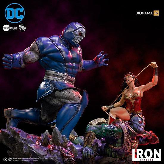 Iron Studio 1/6 : Wonder Woman Vs Darkseid Diorama by Ivan Reis