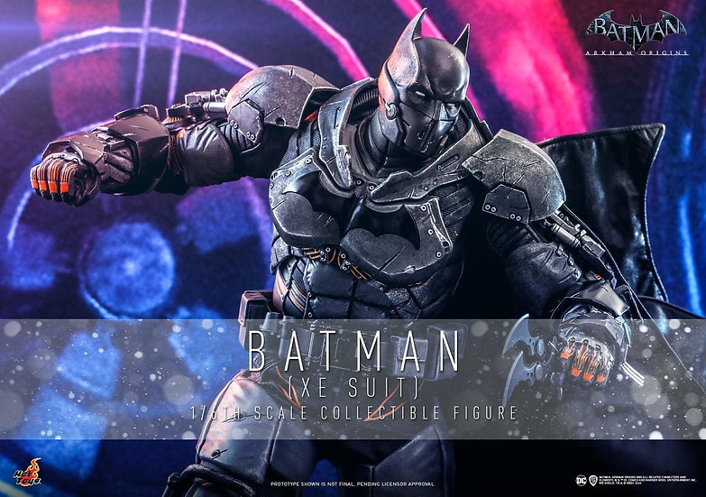 HOT TOYS 1/6 :  BATMAN (XE SUIT)