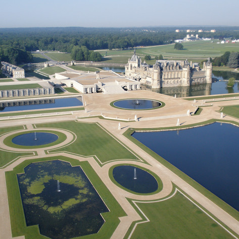 The beautiful grounds at Chateau de Chantilly