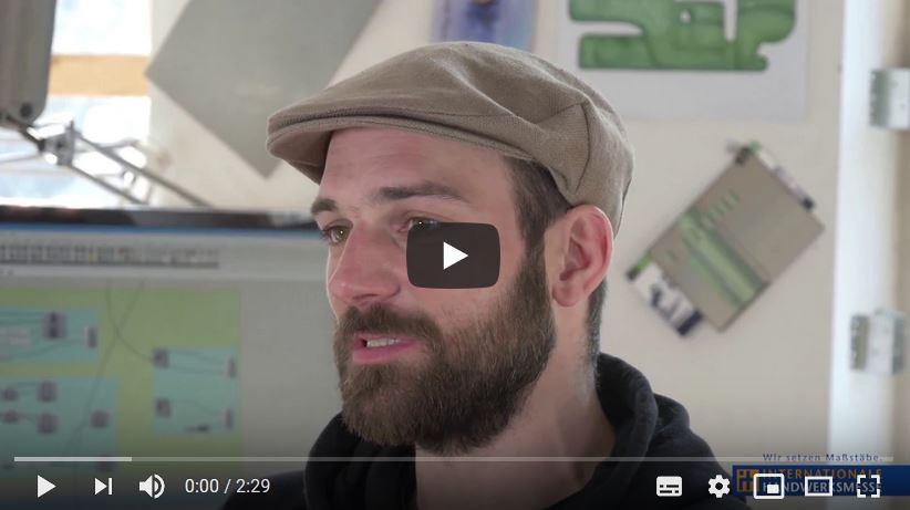 Sebatsian Bächer spricht über die Digitalisierung in seinem Unternehmen
