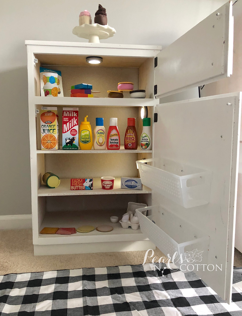 Play Kitchen Fridge Interior