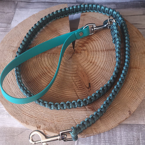 teal and dark green diamonds Cobra Paracord Lead