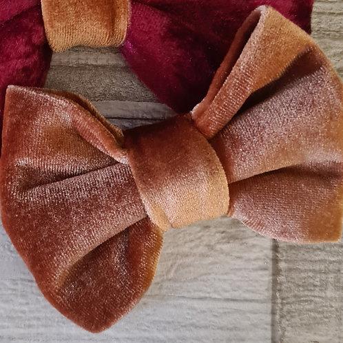 cinnamon velvet bow