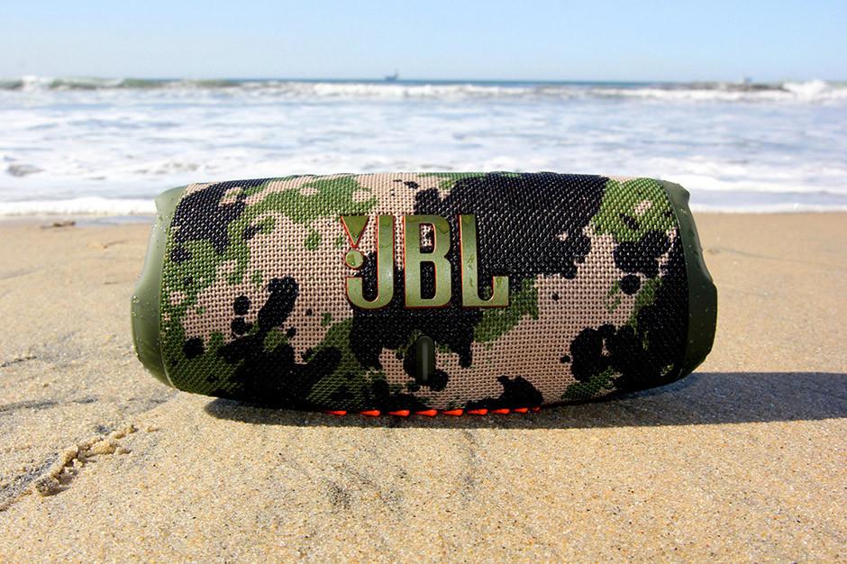 JBL Charge 5 - on beach