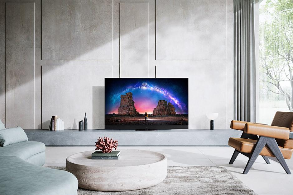 CES / Panasonic - JZ2000 tv set