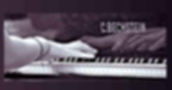 Diana Pivak, tijdens het piano spelen.jp