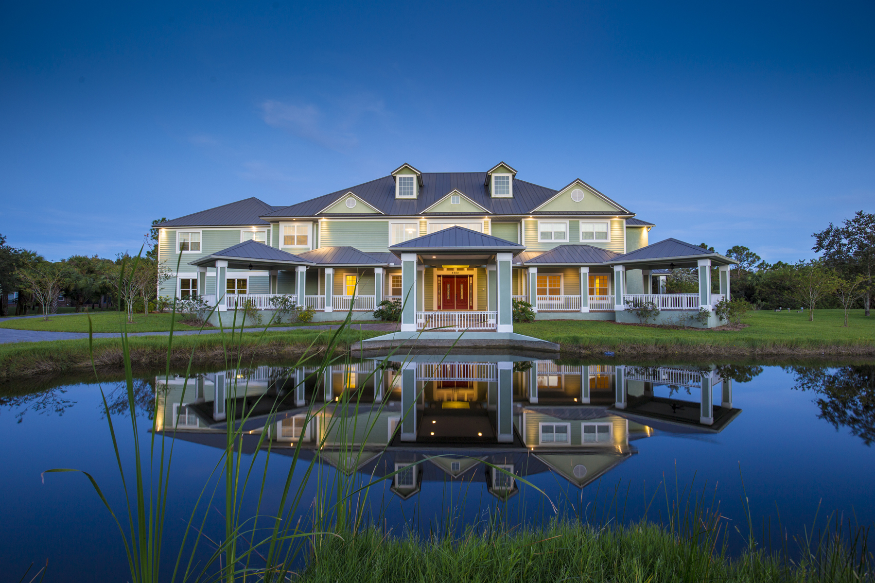 Main Page Image of Luxury Home