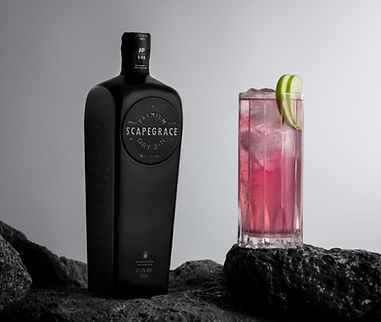 Scapegrace-Black-Gin-Bottle-Cocktail-e15
