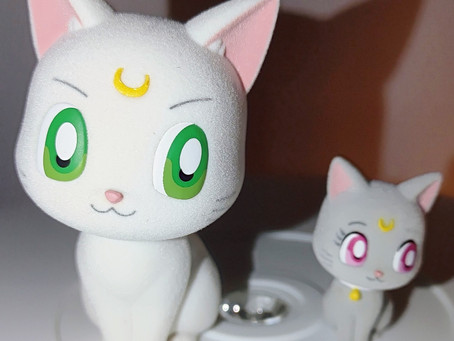 Fluffy Puffy - Sailor Moon- Artemis and Diana