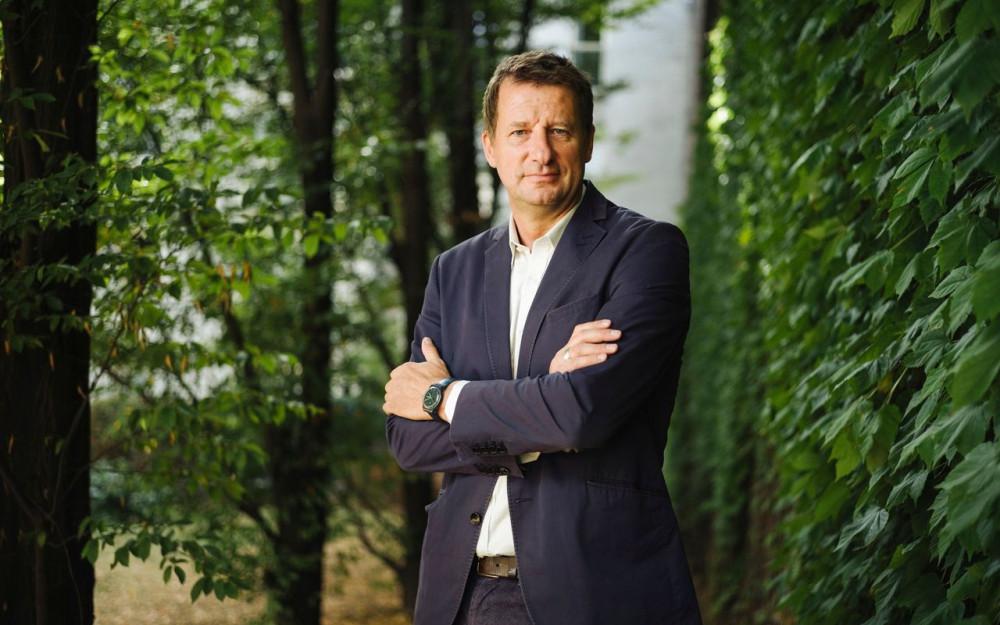 Tête de liste EELV pour les Européennes, Yannick Jadot croit dans les chances de sa formation d'atteindre les 16 %.