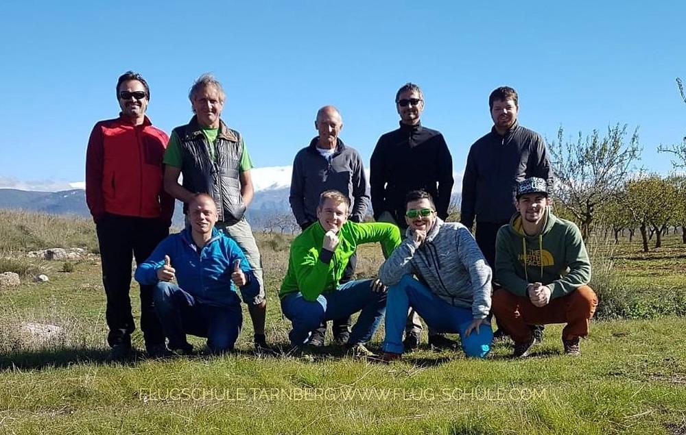 Flugschule Tarnberg - im Hintergrund die Sierra Nevada